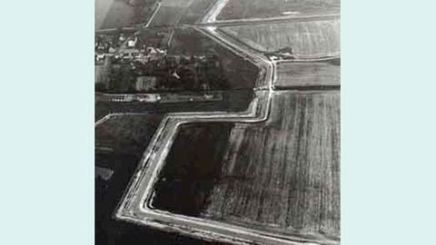 Mäandernder Verlauf der innerdeutschen Grenze bei Heringen-Kleinensee (Hersfeld-Rotenburg) im Jahr 1975