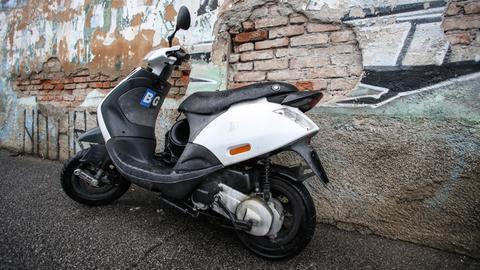 Moped Symbolbild