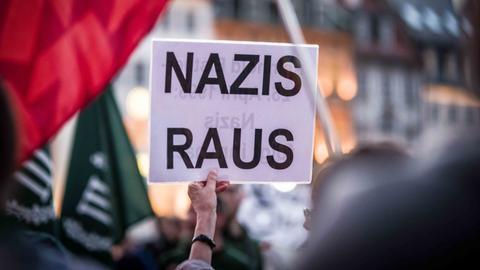 """Protest gegen eine Veranstaltung der Partei """"III. Weg"""" im April in München."""