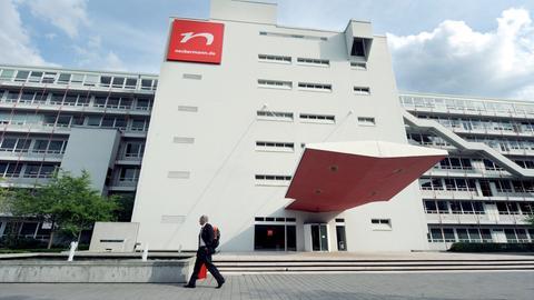 Die ehemalige Zentrale des Versandhändlers Neckermann in Frankfurt wird inzwischen als Flüchtlingsunterkunft genutzt.