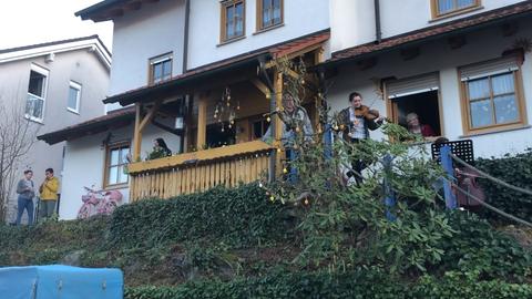 Götterfunken-Flashmob: Balkonkonzert in Heppenheim