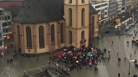 """""""One Billion Rising"""" - Demo gegen Sexismus und Gewalt"""
