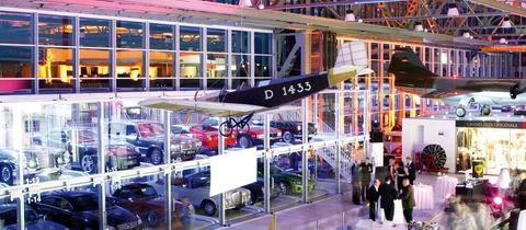 """Simulation der Oldtimer-Ausstellungsflächen in der geplanten """"Motorworld"""""""