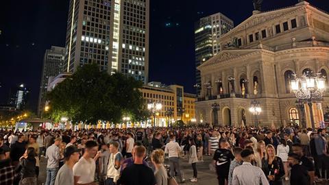 Party auf dem Frankfurter Opernplatz