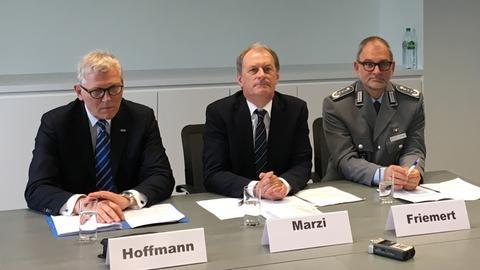 Unfallchirurgen rüsten sich für Terrorfall | hessenschau.de ... | {Arzt bundeswehr 25}