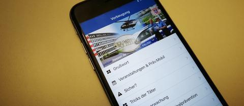 Handy mit Präventions-App Polizei Offenbach