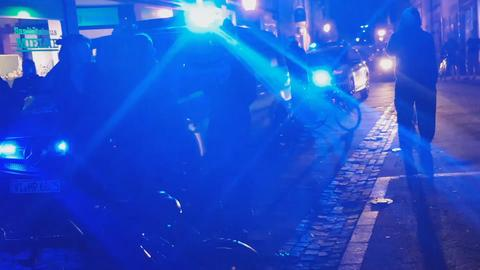 Ein Streifenwagen beim Polizeieinsatz in Witzenhausen im April 2018