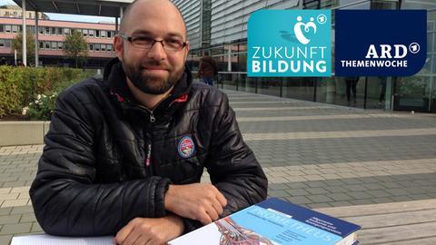 Polizist auf dem Uni-Gelände in Frankfurt