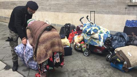 Obdachlose an der Weißfrauenkirche in Frankfurt