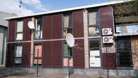 Wohncontainer auf dem Alten Flugplatz in Bonames in Frankfurt