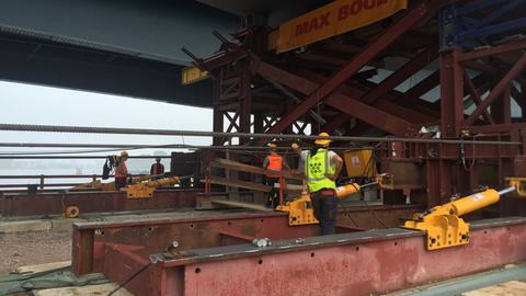 Arbeiten an Schiersteiner Brücke