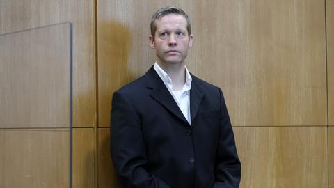 Der mutmaßliche Mörder Walter Lübckes, Stephan Ernst, vor dem Oberlandesgericht in Frankfurt