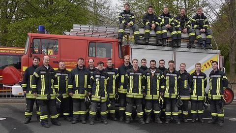 Jan Röhrig mit seinen Kameraden von der Freiwilligen Feuerwehr Limburg-Lindenholzhausen