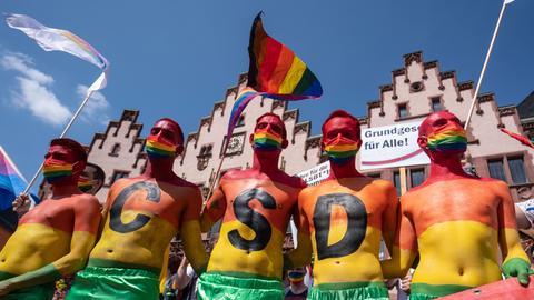 CSD-Teilnehmer am Frankfurter Römerberg