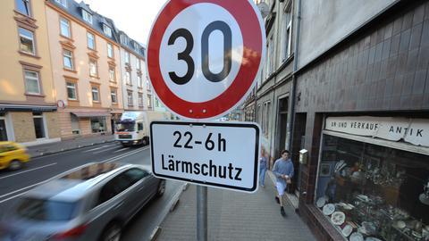 Tempo-30-Schild in Frankfurt