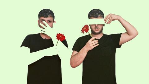 Zwei Selbstporträts von Timur mit Blume von seinem Instagram Account