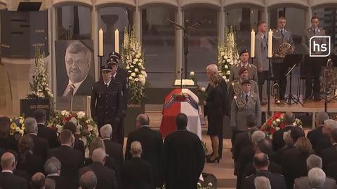 Hunderte Trauergäste erweisen Walter Lübcke die letzte Ehre