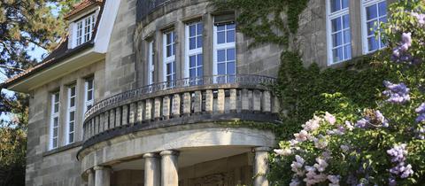 Blick auf eine Luxus-Villa