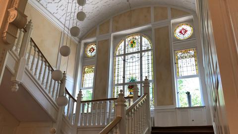 Villa Meister Frankfurt - Innenansicht - Treppe und Glasfenster