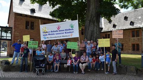 Eltern und Schüler haben für den Erhalt der Waldecker Grundschule gekämpft.