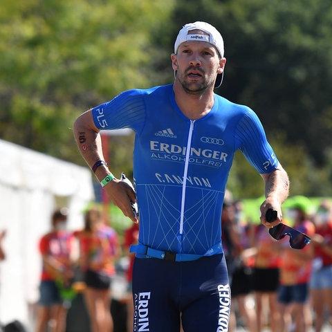 Patrick Lange beim Triathlon in Roth
