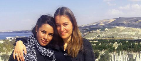 Regisseurin Antonia Kilian und ihre Protagonistin Hala