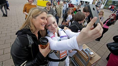 Selfie mit Sängerin und Neu-Autorin Jeanette Biedermann