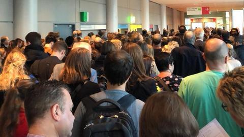 Besuchermassen bei der Frankfurter Buchmesse