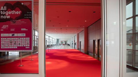 Roter Teppich auf der Frankfurter Buchmesse - ohne Menschen