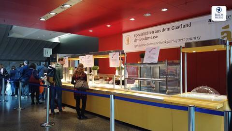 Ein Restaurant auf der Buchmesse, in dem es Spezialitäten aus Norwegen gibt.