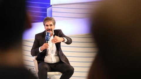 Deniz Yücel auf der ARD-Bühne auf der Frankfurter Buchmesse 2019
