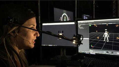 Der virtuelle Star Maya Kodes entsteht live auf der Bühne.