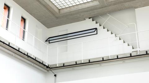 Installation der georgischen Künstlerin Thea Djordjadze im Portikus Frankfurt.