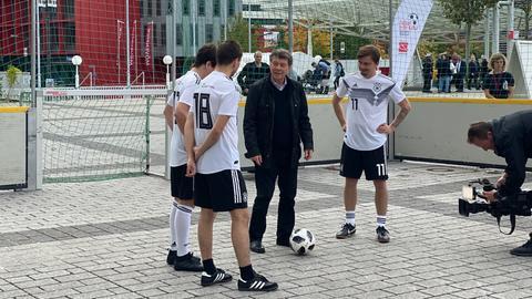 Rehhagel mit dem deutschen Autoren-Nationalteam
