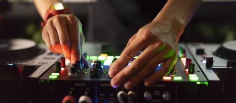 Partys zur Frankfurter Buchmesse: DJ legt auf