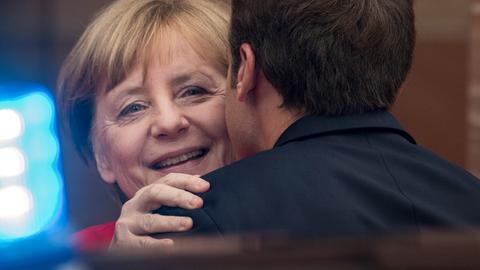 Merkel begrüßt Macron