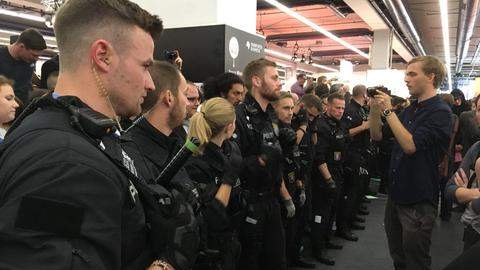 Polizei auf der Buchmesse