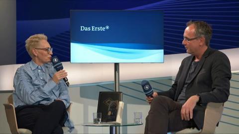 """Gespräch zum Film """"Babylon Berlin"""" mit Volker Kutscher"""