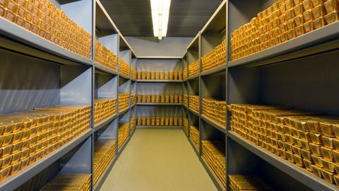 Gelagerte Goldbarren in der Bundesbank Frankfurt