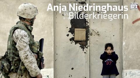 """Buchcover: Hannelore Fischer """"Anja Niedringhaus. Bilderkriegerin"""""""