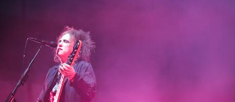 Sänger Robert Smith in der Festhalle Frankfurt