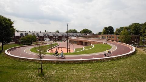 Fahrradweg und -brücke in Utrecht