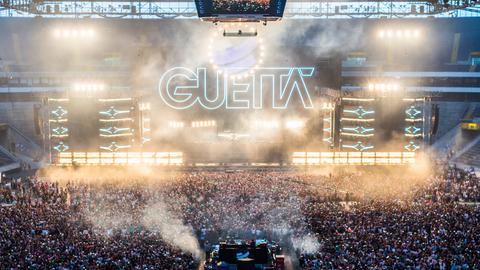 DJ David Guetta beim World Club Dome in der Commerzbank-Arena.