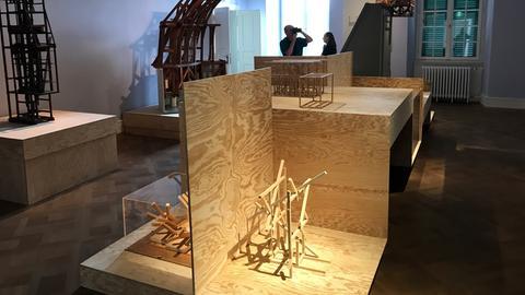 """Die Installation """"Zaun"""" von Olaf Holzapfel im Bellevue"""