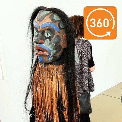 Selbstgeschnitzte Masken des kanadischen Künstlers Beau Dick