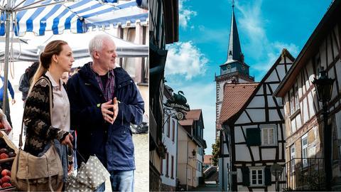 Schauspielerin Petra Schmidt-Schaller und Regisseur Martin Enlen beim Dreh des hr-Films, Gasse in der Oberurseler Altstadt mit der Kirche St. Ursula im Hintergrund.