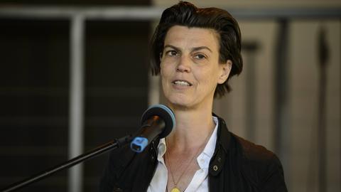 Carolin Emcke bei einer Rede.