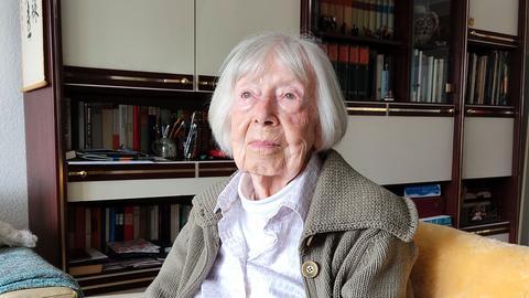 Porträtaufnahme von Ilse Krumpeter, 101 Jahre