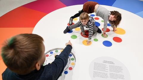 Grimmwelt Kassel Farben-Ausstellung