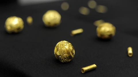 Goldperlen aus dem Keltengrab Heuneburg - die 2010 bei Ausgrabungen gefunden wurden
